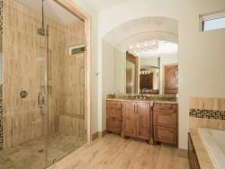 030-Master_Bathroom-1530786