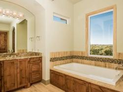 031-Master_Bathroom-1530790