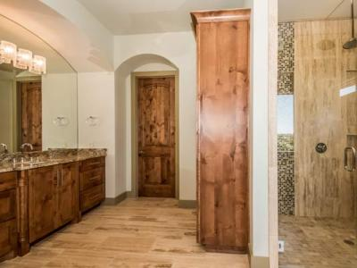 029-Master_Bathroom-1530788